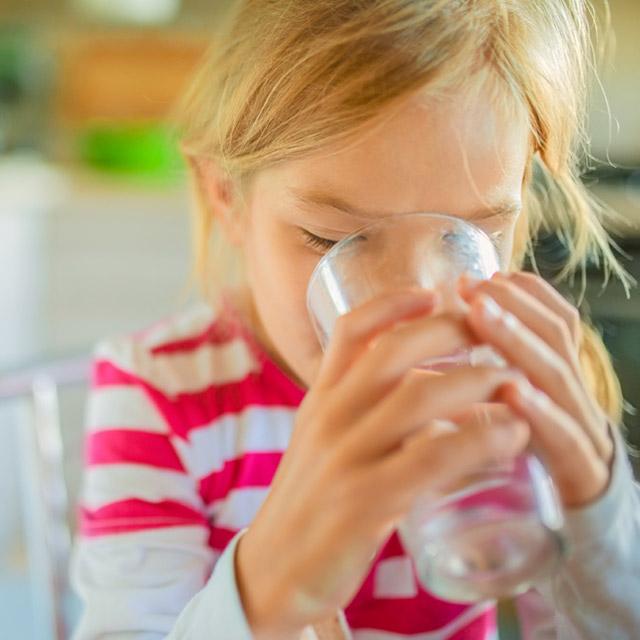 Te ayudamoms a que tus niños se hidraten